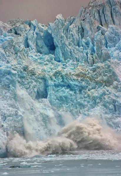AK Hubbard Glacier Calving 600